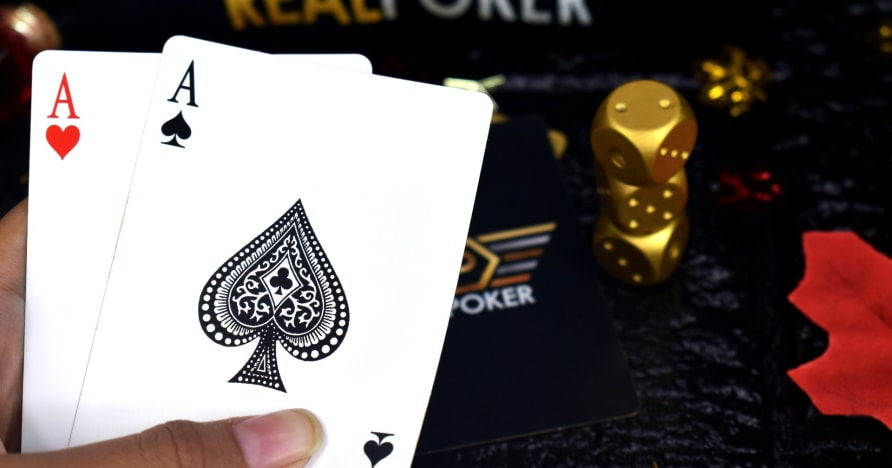 Å spille poker - beste strategi og tips for å skalere