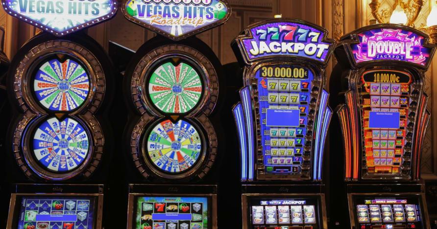 Historien om online spilleautomater
